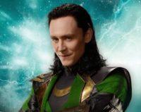 Tom Hiddleston Signing